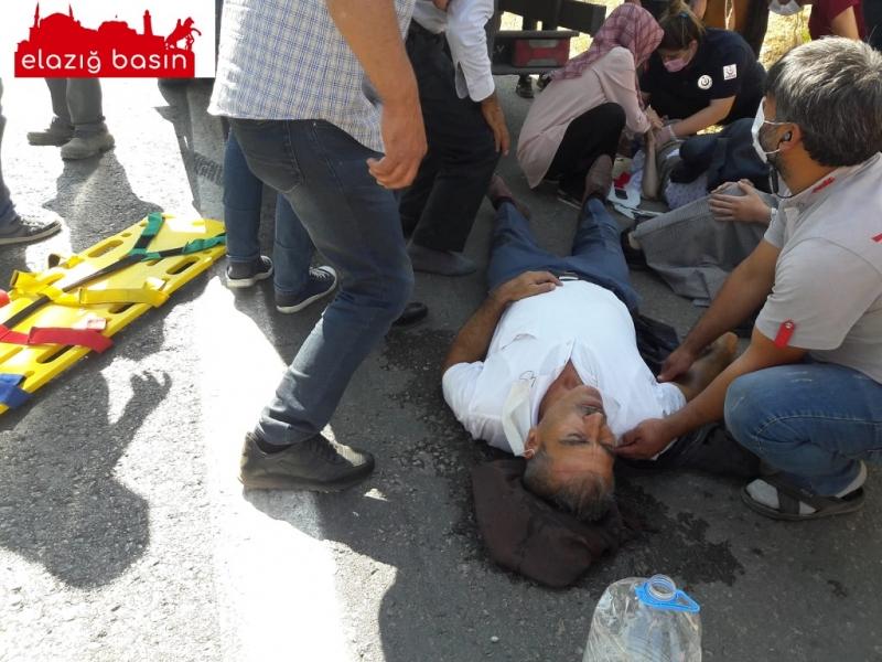 Araç sürücüsü kontrolünü kaybetti 2'si ağır 4 kişi yaralandı