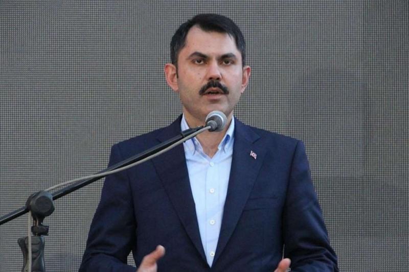 Bakan Kurum, enkaz altında kalan vatandaşların olduğunu açıkladı