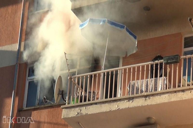 Elazığ'da çıkan yangında 6 kişi dumandan etkilendi 2 evcil hayvan telef oldu