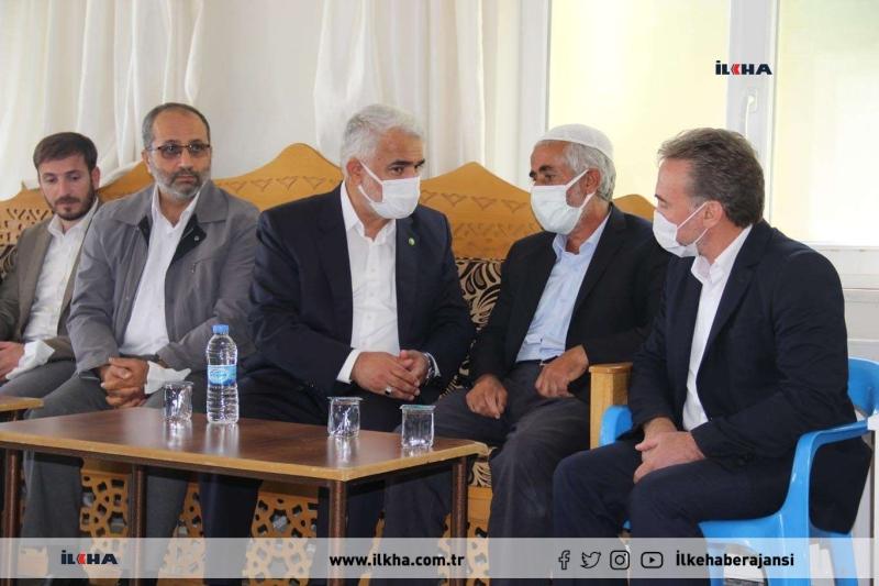 HÜDA PAR Genel Başkanı Yapıcıoğlu Elazığ'da Çeçen ailesinin taziyesine katıldı