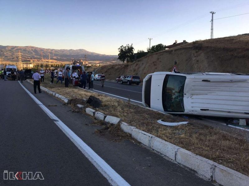 Kovancılar'da trafik kazası: 4'ü çocuk 5 yaralı